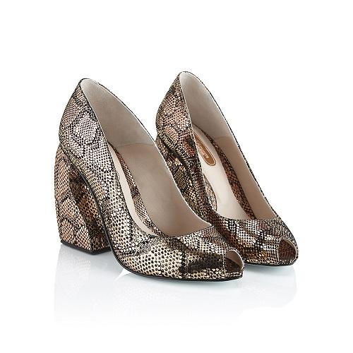 luxury footwear brand Marion Ayonote