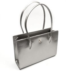 Launer - A handbag fit for a Queen