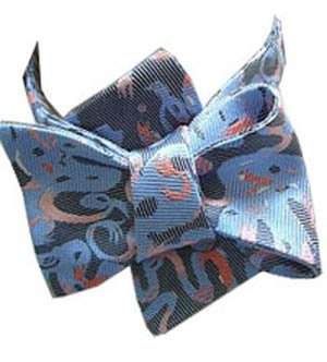 An-English-Hand-bow-tie