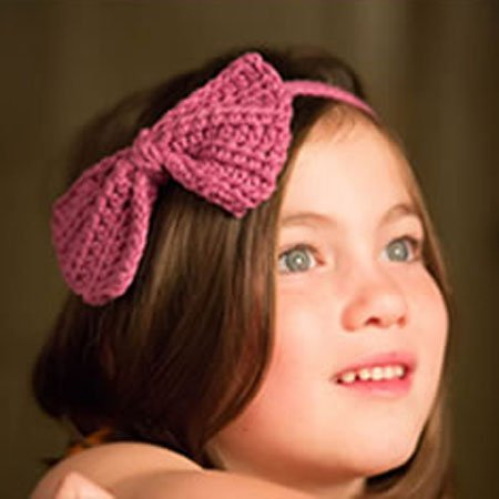 Brit Chic knitted hair bow
