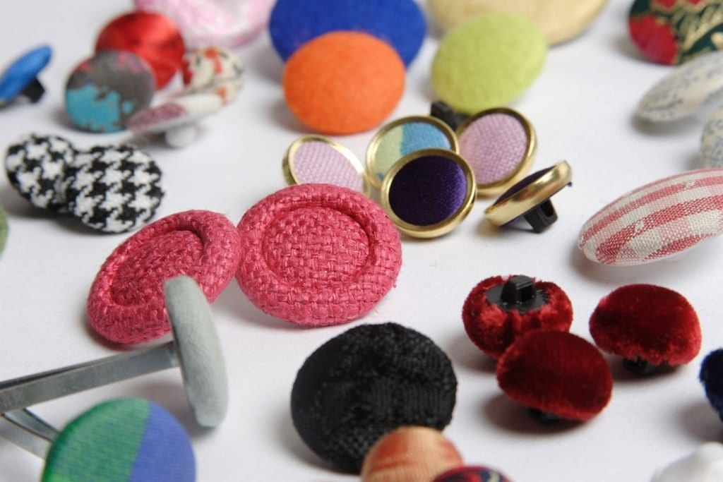 buttons, trim, fastenings