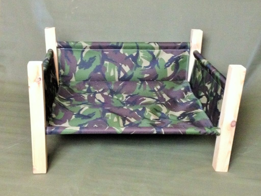 Camouflage-Bed