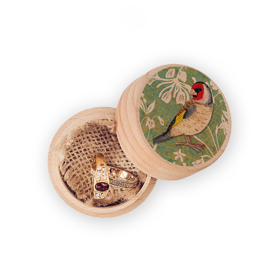 J2WW15RB-Goldfinch-ring-box-white-backgr-web