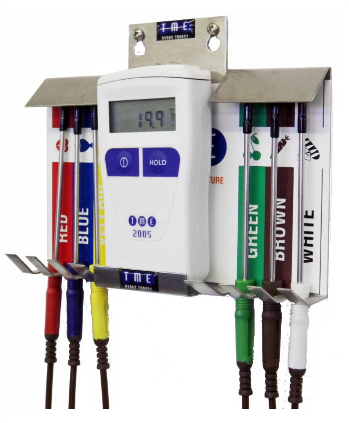 TME-CA2005-PKW-Handheld-Digital-Thermometer-with-6-Probes-and-Wallmount-Unit1