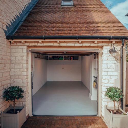 Resincoat. UK manufactures of epoxy resin flooring